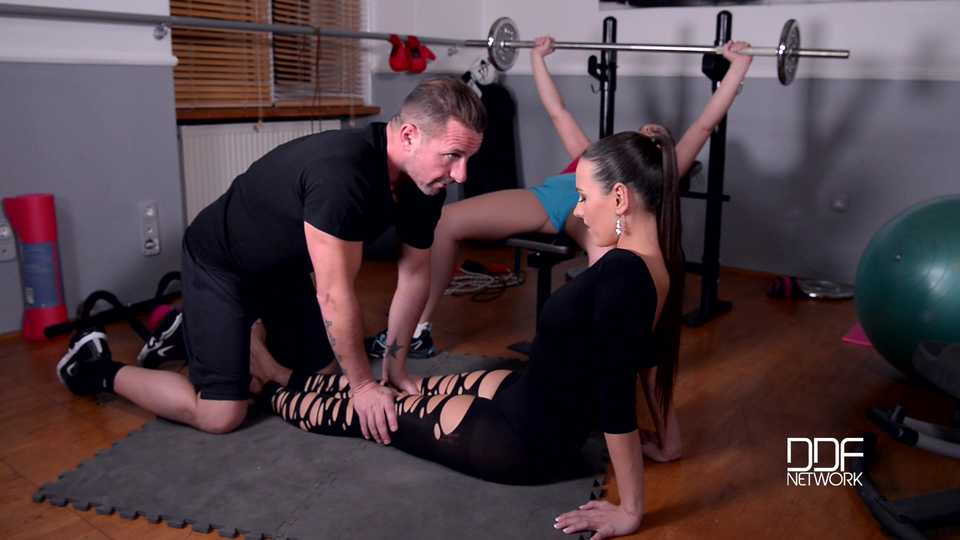 Gym Instruction - A Facial Mask Of Golden Shower And White Spunk